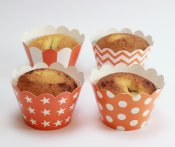 Cupcake wrappers dekorationer orange muffinsformar randig prickig stjärnor chevron