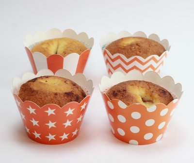 Cupcake wrappers dekorationer orange muffinsformar prickig stjärnor chevron